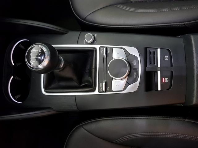 Audi A3  Sport Edition 1.6 Tdi Sportback 5p. de ocasión en Málaga - Foto 11