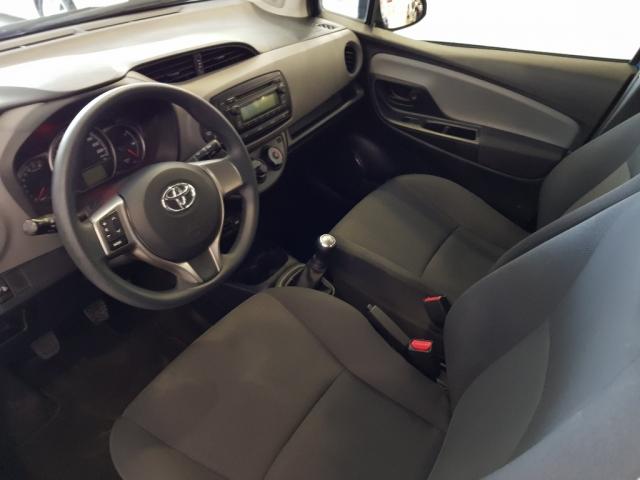 Toyota Yaris  70 City 5p. de ocasión en Málaga - Foto 5