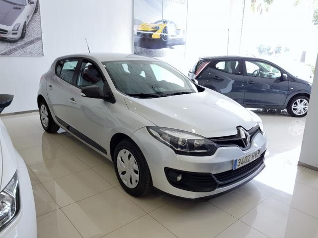 Renault Megane  Life Energy Tce 115 Ss 5p. de ocasión en Málaga - Foto 1