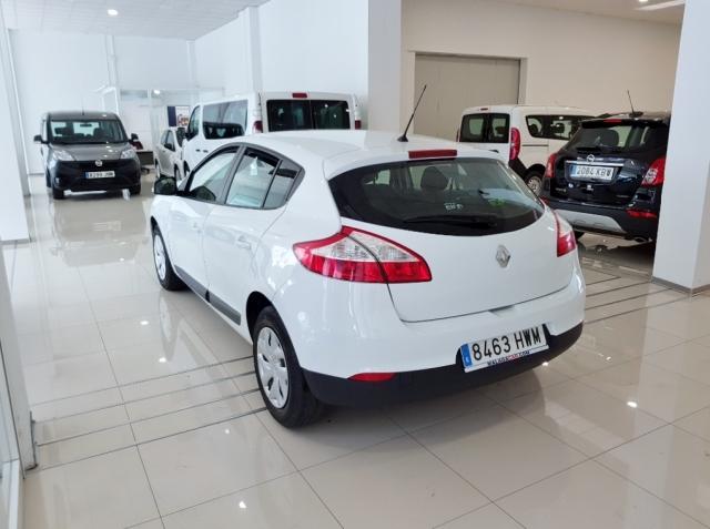 Renault Megane  Life Energy Tce 115 Ss 5p. de ocasión en Málaga - Foto 4