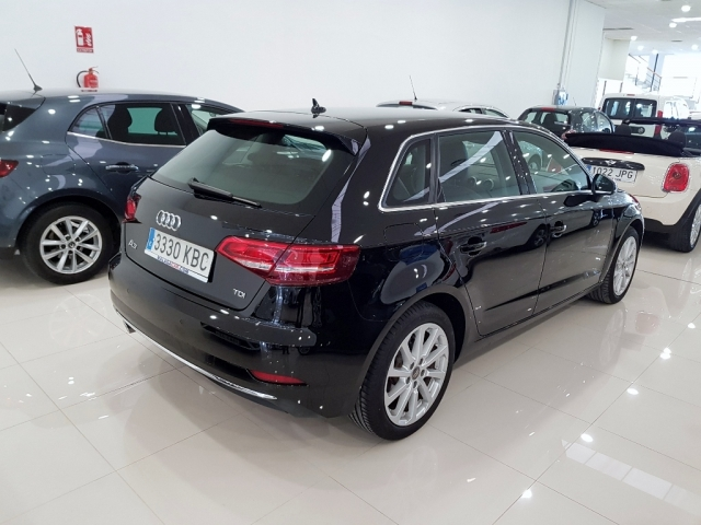 Audi A3  Design Edition 1.6 Tdi S Tronic Sportb 5p. de ocasión en Málaga - Foto 4