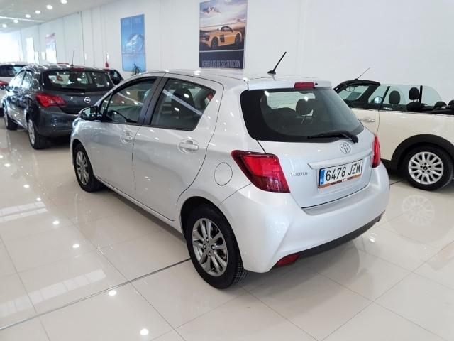 Toyota Yaris  1.0 70 City 5p. de ocasión en Málaga - Foto 3