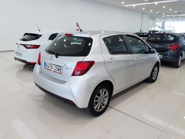 Toyota Yaris  1.0 70 City 5p. de ocasión en Málaga - Foto 4