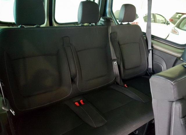 Renault Trafic Passenger Combi 9 Energy Dci 125 Tt E6 de ocasión en Málaga - Foto 11