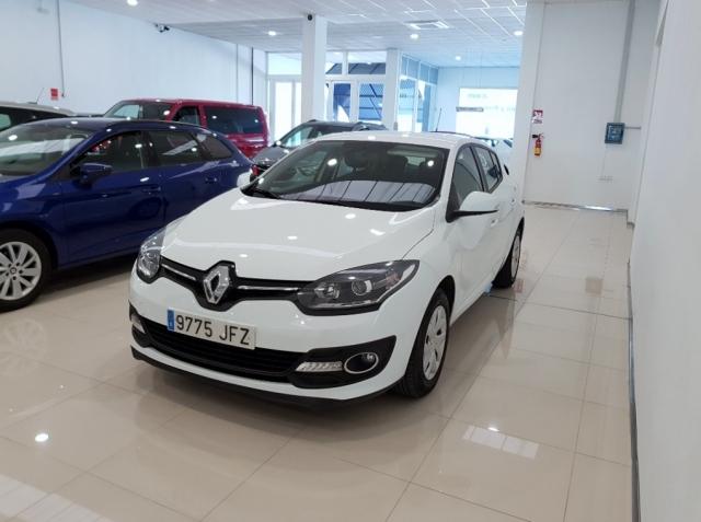 Renault Megane  Intens Tce 115 Ss Eco2 5p. de ocasión en Málaga - Foto 2