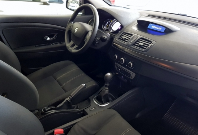 Renault Megane  Intens Dci 95 Eco2 5p. de ocasión en Málaga - Foto 7