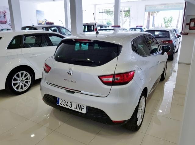 Renault Clio  Limited 1.2 16v 55kw 75cv 5p. de ocasión en Málaga - Foto 3