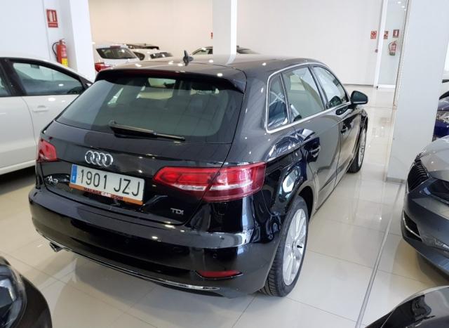Audi A3  Design Edition 1.6 Tdi Sportback 5p. de ocasión en Málaga - Foto 4