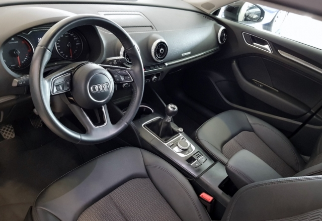 Audi A3  Design Edition 1.6 Tdi Sportback 5p. de ocasión en Málaga - Foto 8
