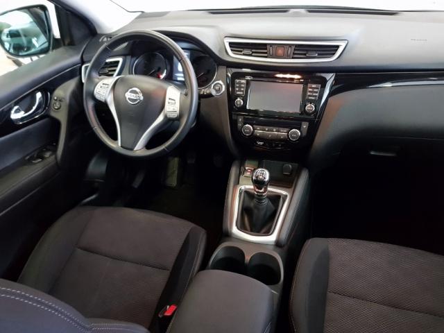 Nissan Qashqai  1.2i Digt Nconnecta 4x2 5p. de ocasión en Málaga - Foto 6