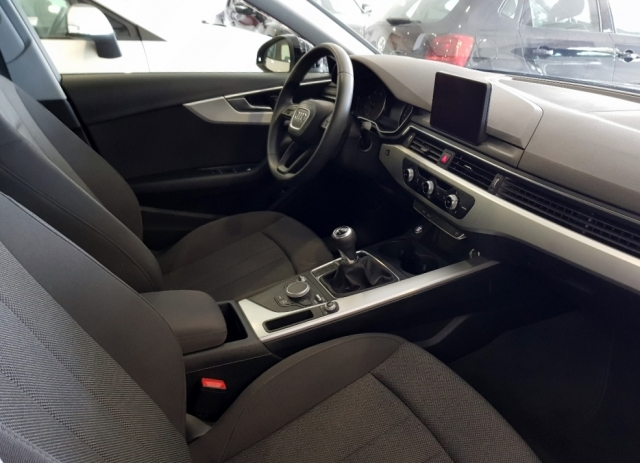 AUDI A4  2.0 TDI 150CV Advanced edition 4p. for sale in Malaga - Image 6