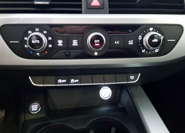 Audi A4  2.0 Tdi 150cv Advanced Edition 4p. de ocasión en Málaga - Foto 10