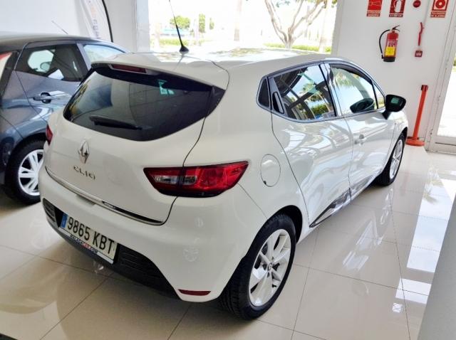 Renault Clio  Limited 1.2 16v 55kw 75cv 5p. de ocasión en Málaga - Foto 4