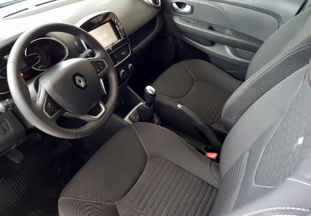 Renault Clio  Limited 1.2 16v 55kw 75cv 5p. de ocasión en Málaga - Foto 8