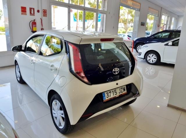 Toyota Aygo  1.0 70 Xplay 5p. de ocasión en Málaga - Foto 3
