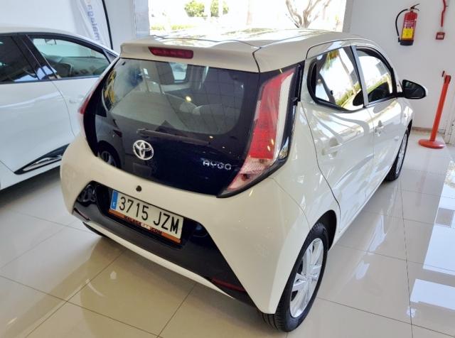 Toyota Aygo  1.0 70 Xplay 5p. de ocasión en Málaga - Foto 4