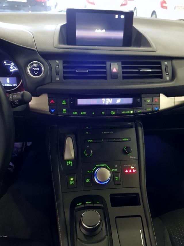 Lexus Ct  200h Hybrid 5p. de ocasión en Málaga - Foto 9