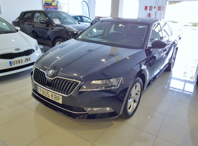 SKODA SUPERB  2.0 TDI 110KW 150cv Ambition 5p. used car in Malaga