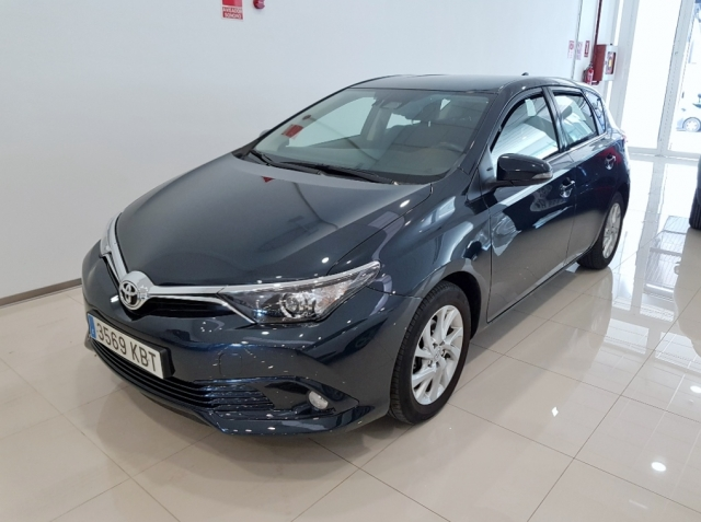 Toyota Auris  1.2 120t Active 5p. de ocasión en Málaga - Foto 1