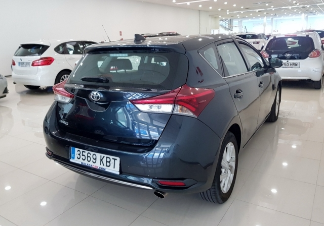 Toyota Auris  1.2 120t Active 5p. de ocasión en Málaga - Foto 3