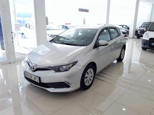 Toyota Auris  1.4 90d Business 5p. de ocasión en Málaga - Foto 1