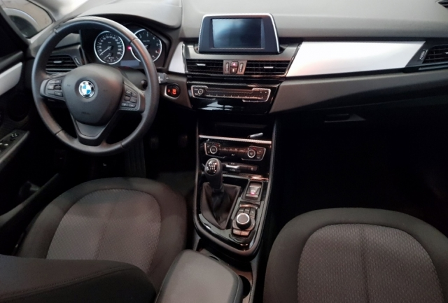 BMW SERIE 2 ACTIVE TOURER  216d 5p. for sale in Malaga - Image 6
