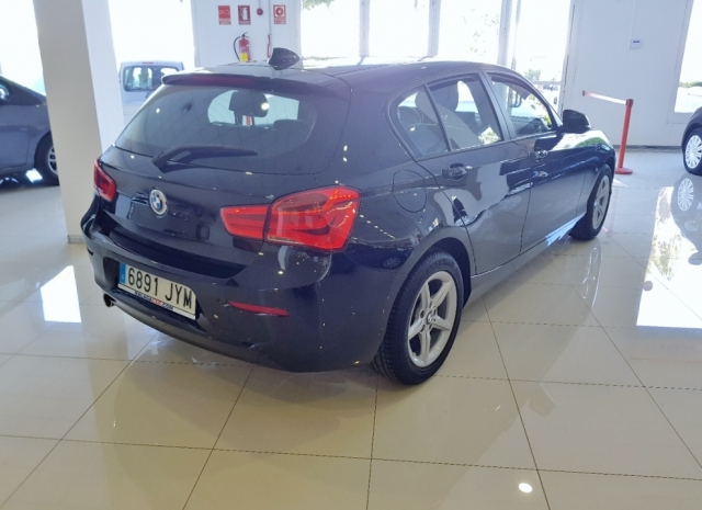 BMW SERIE 1  116d 5p. for sale in Malaga - Image 5