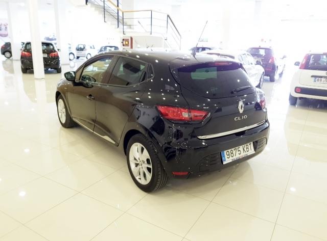 Renault Clio  Limited 1.2 16v 75 5p. de ocasión en Málaga - Foto 4
