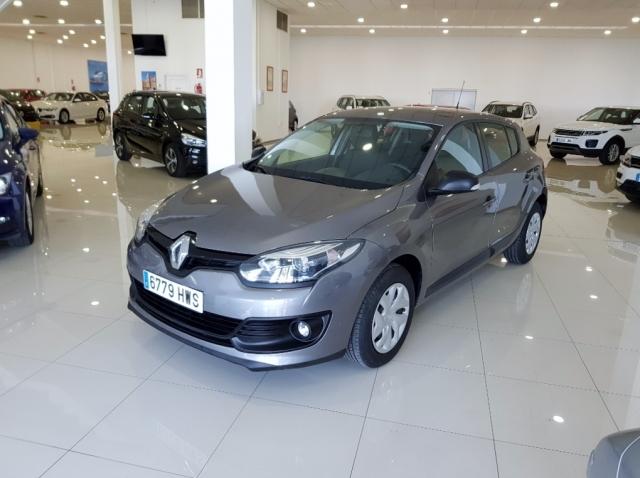 Renault Megane  Life Tce 115 Ss 5p. de ocasión en Málaga - Foto 2