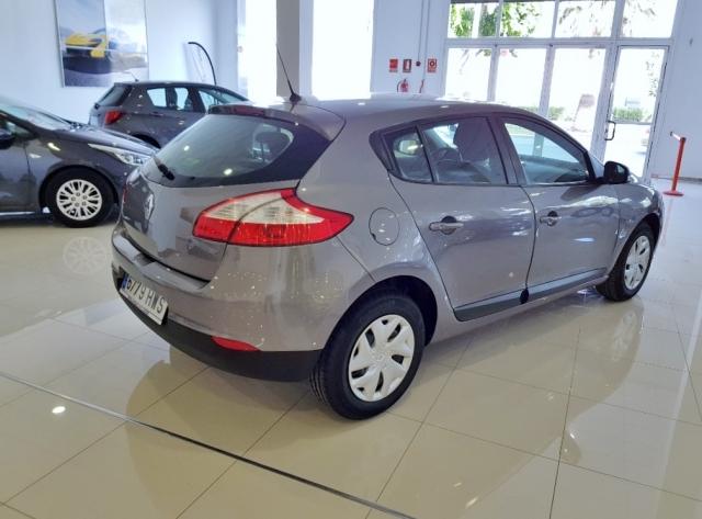 Renault Megane  Life Tce 115 Ss 5p. de ocasión en Málaga - Foto 4