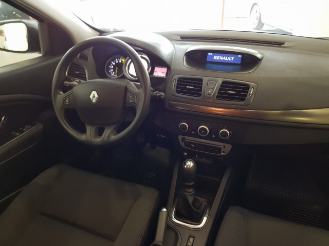 Renault Megane  Life Tce 115 Ss 5p. de ocasión en Málaga - Foto 6