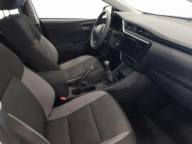 Toyota Auris  1.4 90d Business 5p. de ocasión en Málaga - Foto 7