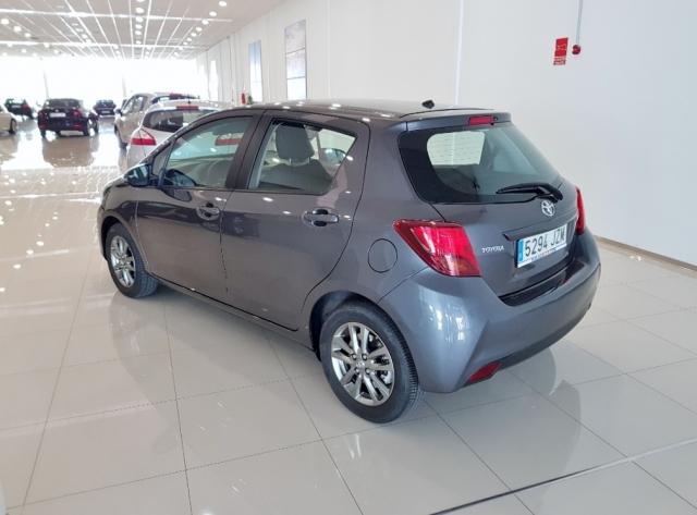 Toyota Yaris  70 City 5p. de ocasión en Málaga - Foto 4