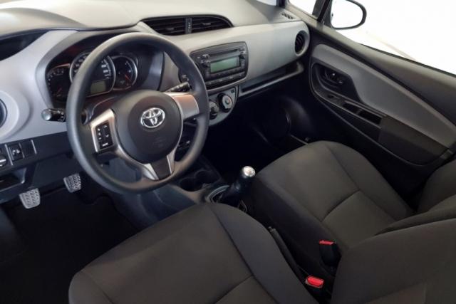 Toyota Yaris  70 City 5p. de ocasión en Málaga - Foto 7