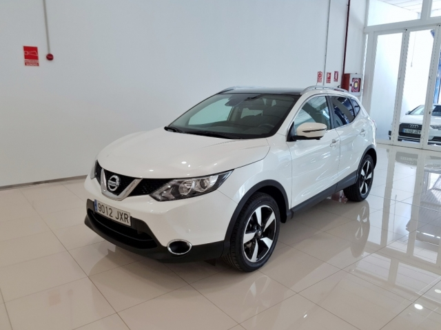 NISSAN QASHQAI  dCi 81 kW 110 CV NCONNECTA 5p. for sale in Malaga - Image 1