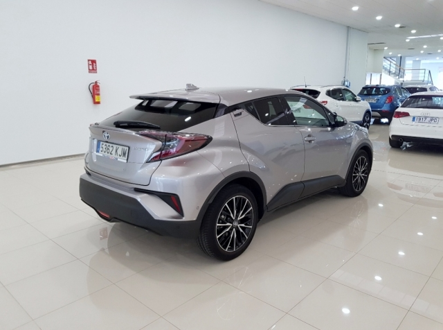 TOYOTA CHR C-HR 1.8 125H Advance Plus 5p. for sale in Malaga - Image 5