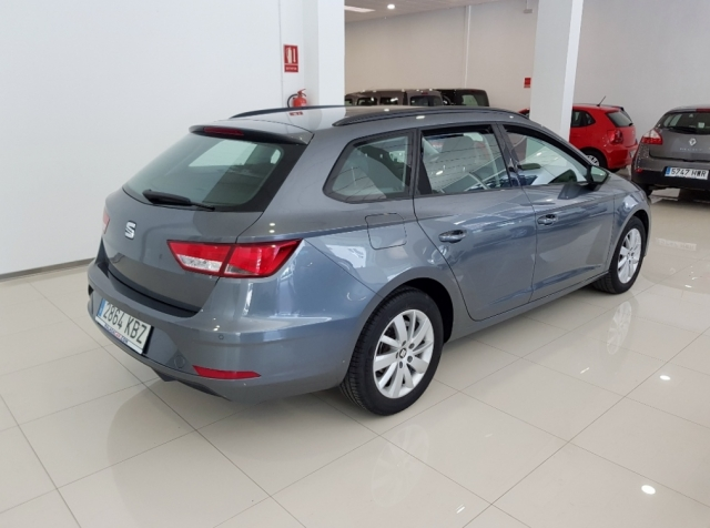 SEAT LEON León ST 1.2 TSI 81kW 110CV StSp Reference 5p. for sale in Malaga - Image 4
