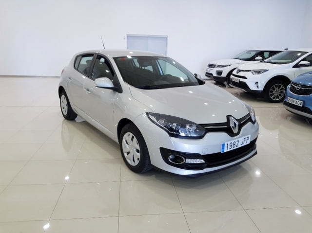 RENAULT MEGANE  Intens dCi 95 eco2 5p. for sale in Malaga - Image 2