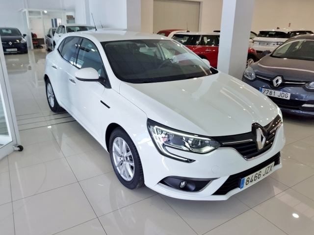 RENAULT MEGANE Mégane Life Energy TCe 74kW 100CV 5p. for sale in Malaga - Image 2