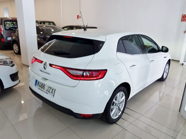 RENAULT MEGANE Mégane Life Energy TCe 74kW 100CV 5p. for sale in Malaga - Image 3