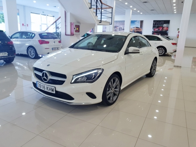 MERCEDES-BENZ Clase CLA 200 D for sale in Malaga - Image 2