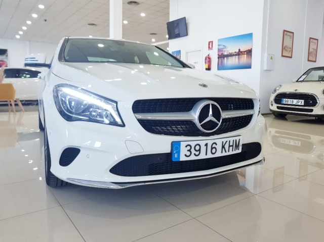 MERCEDES-BENZ Clase CLA 200 D for sale in Malaga - Image 3