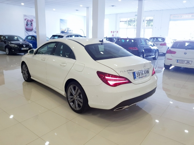 MERCEDES-BENZ Clase CLA 200 D for sale in Malaga - Image 4