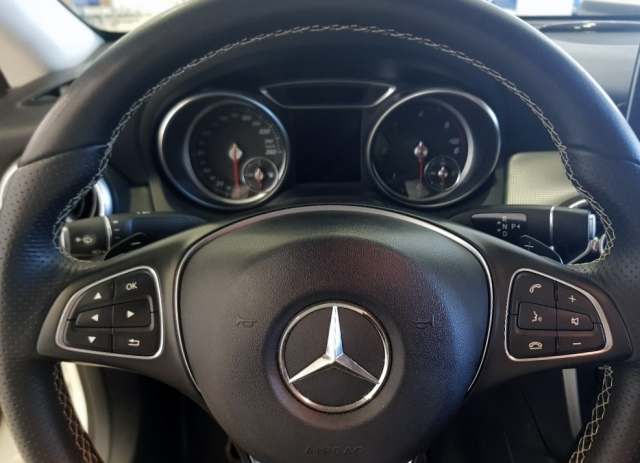 MERCEDES-BENZ Clase CLA 200 D for sale in Malaga - Image 11