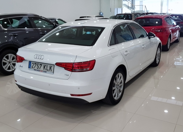 AUDI A4  2.0 TDI 150CV Advanced edition 4p. for sale in Malaga - Image 4