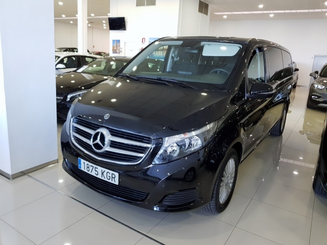 MERCEDES BENZ V200CDI  for sale in Malaga - Image 1