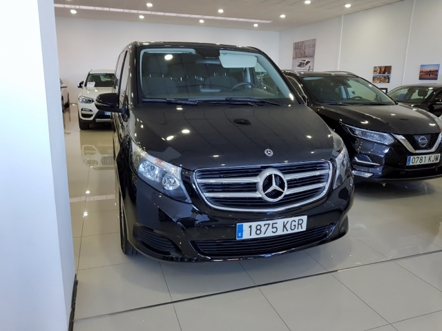 MERCEDES BENZ V200CDI  for sale in Malaga - Image 2