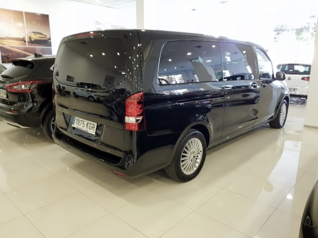 MERCEDES BENZ V200CDI  for sale in Malaga - Image 3