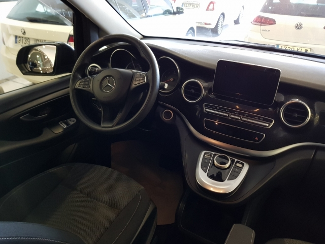 MERCEDES BENZ V200CDI  for sale in Malaga - Image 8