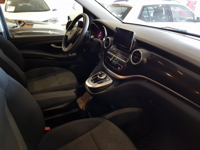 MERCEDES BENZ V200CDI  for sale in Malaga - Image 9